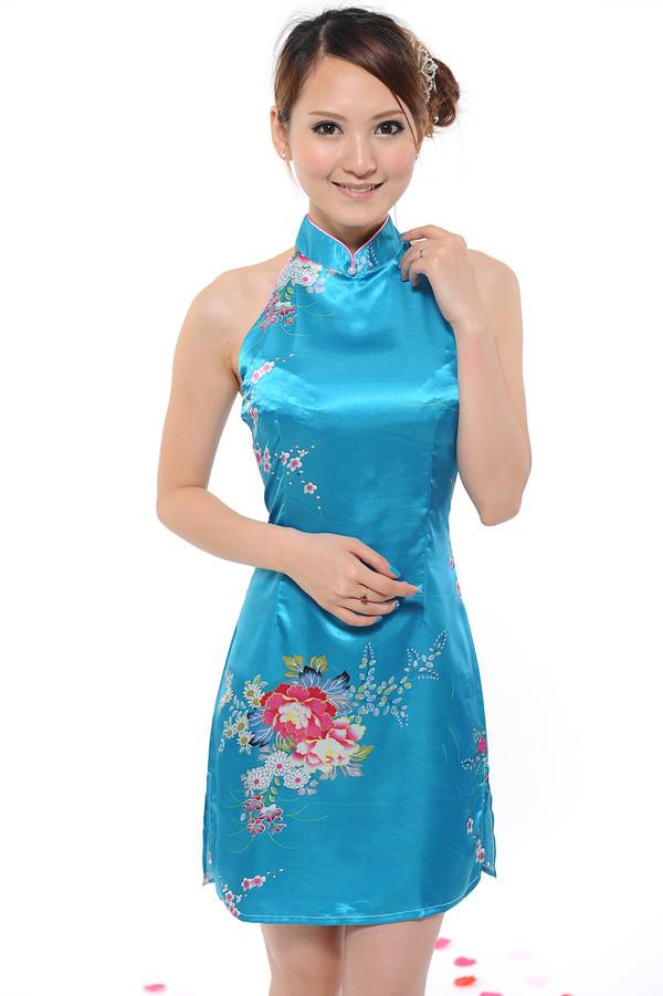 国魂美人旗袍装很迷人 旗袍美女-第1张