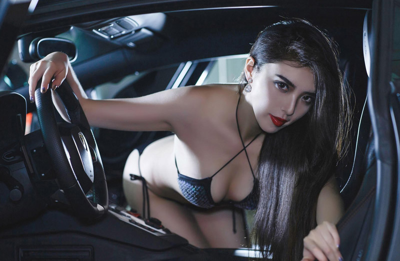 气质豪车女神狂暴猎手深情演绎 性感车模-第1张