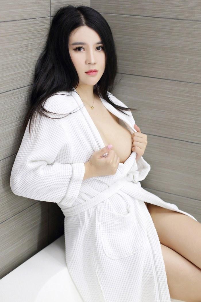 清纯美女Sukki豹纹SM秀白嫩美胸 清纯美眉-第1张