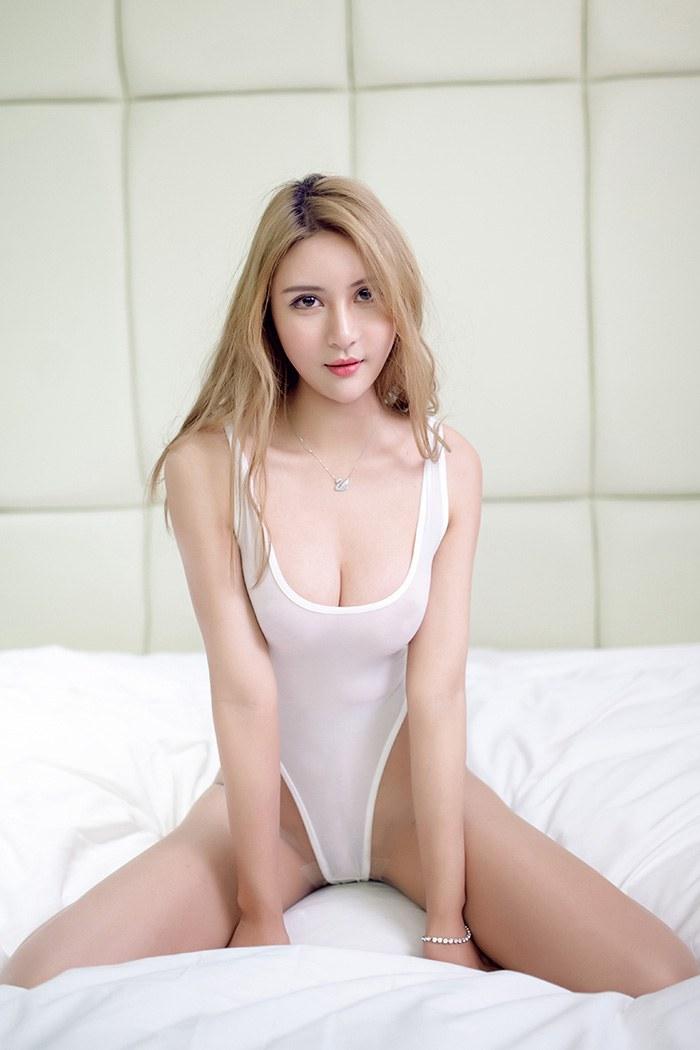 美腿尤物尹菲诱惑丝臀吸引你眼球 性感美女-第1张