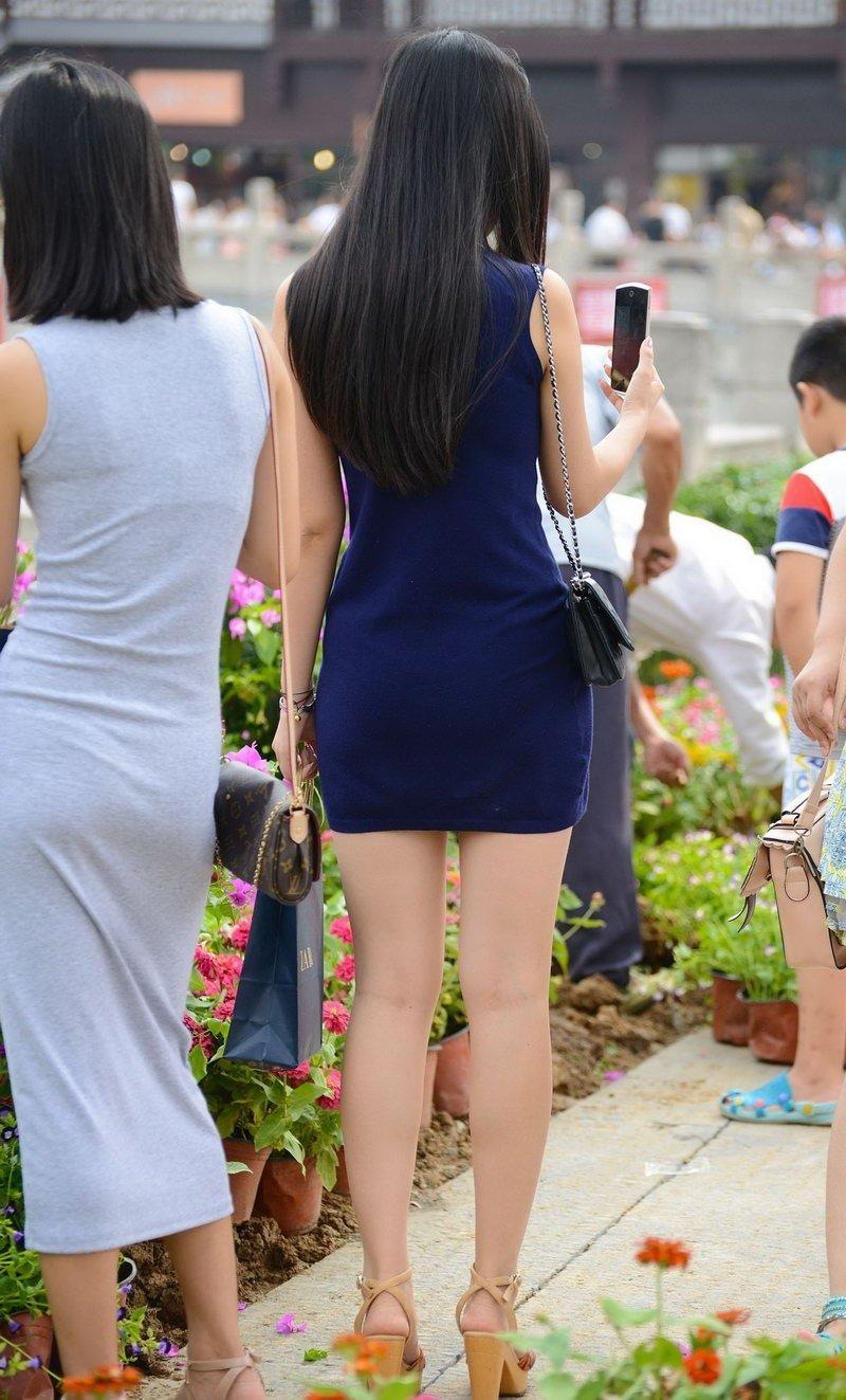 苏州街头短裙美女街拍美腿迷人 街拍美女-第1张