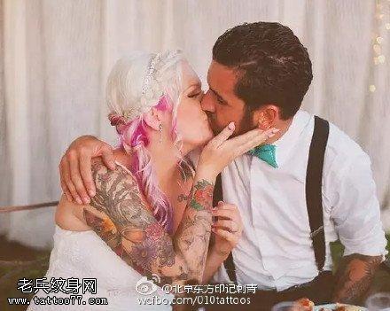 欧美风甜蜜情侣纹身图案 纹身图片-第1张