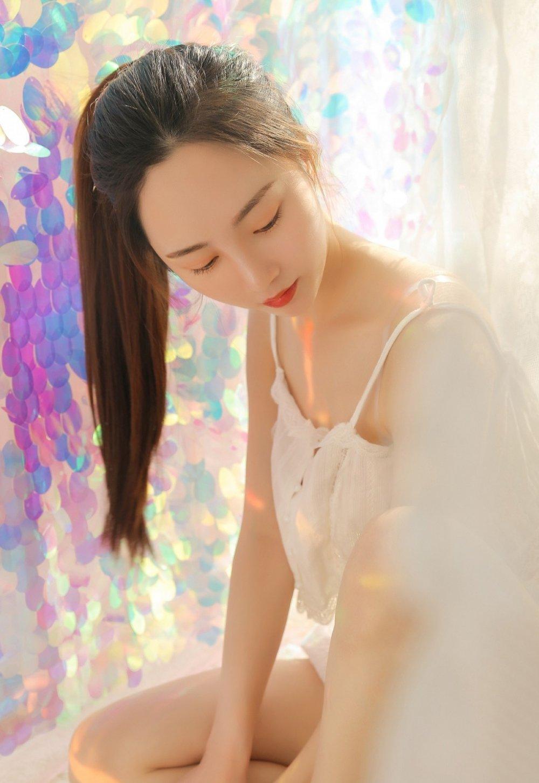 清纯靓丽美女学生妹白皙无暇脸蛋唯美治愈系写 美女写真-第1张